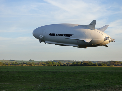 Airlander taking off