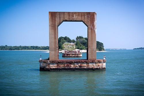 Long Island Bridge pier