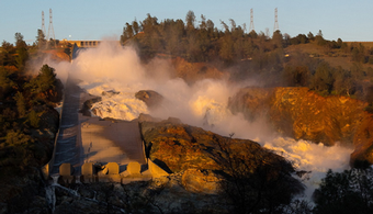 Debris Cleared as Oroville Spillway Dries Up