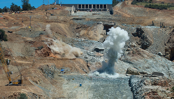 Dry Spring Speeds Oroville Repairs