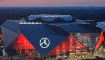 Mercedes-Benz Stadium Opens Roof for First Time