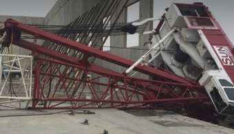 Crane Topples at TX Site, Leaves Minor Injuries