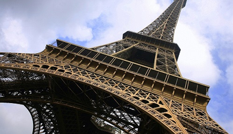 Firms Shortlisted for Eiffel Tower Area Project