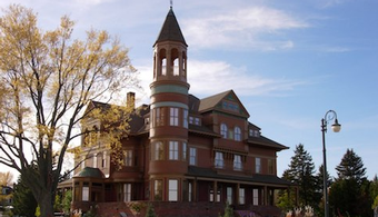 Contractors Needed for Exterior Painting of WI Mansion