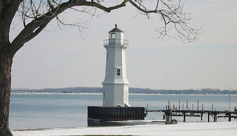 Bid Out for Historic MI Lighthouse Painting